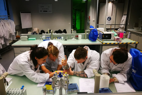 Open Lab class: genetics workshop with Günter Seyfried at the Vienna Open Lab in January 2018, photo: Günter Seyfried.